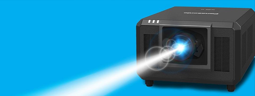 Panasonic PT-RQ35K Projektor kleinster und leichtester Projektor mit 30.500 Lumen SIGMA
